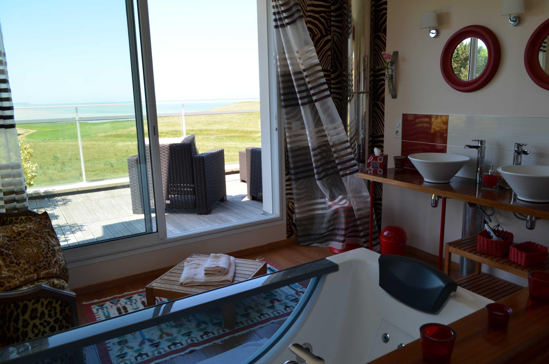 Chambres d 39 h tes la sole sous le parasol vue mer pr s de dieppe - Chambre d hote biarritz vue sur mer ...